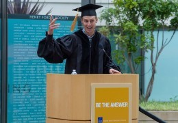 Tim Smith gives the graduate address