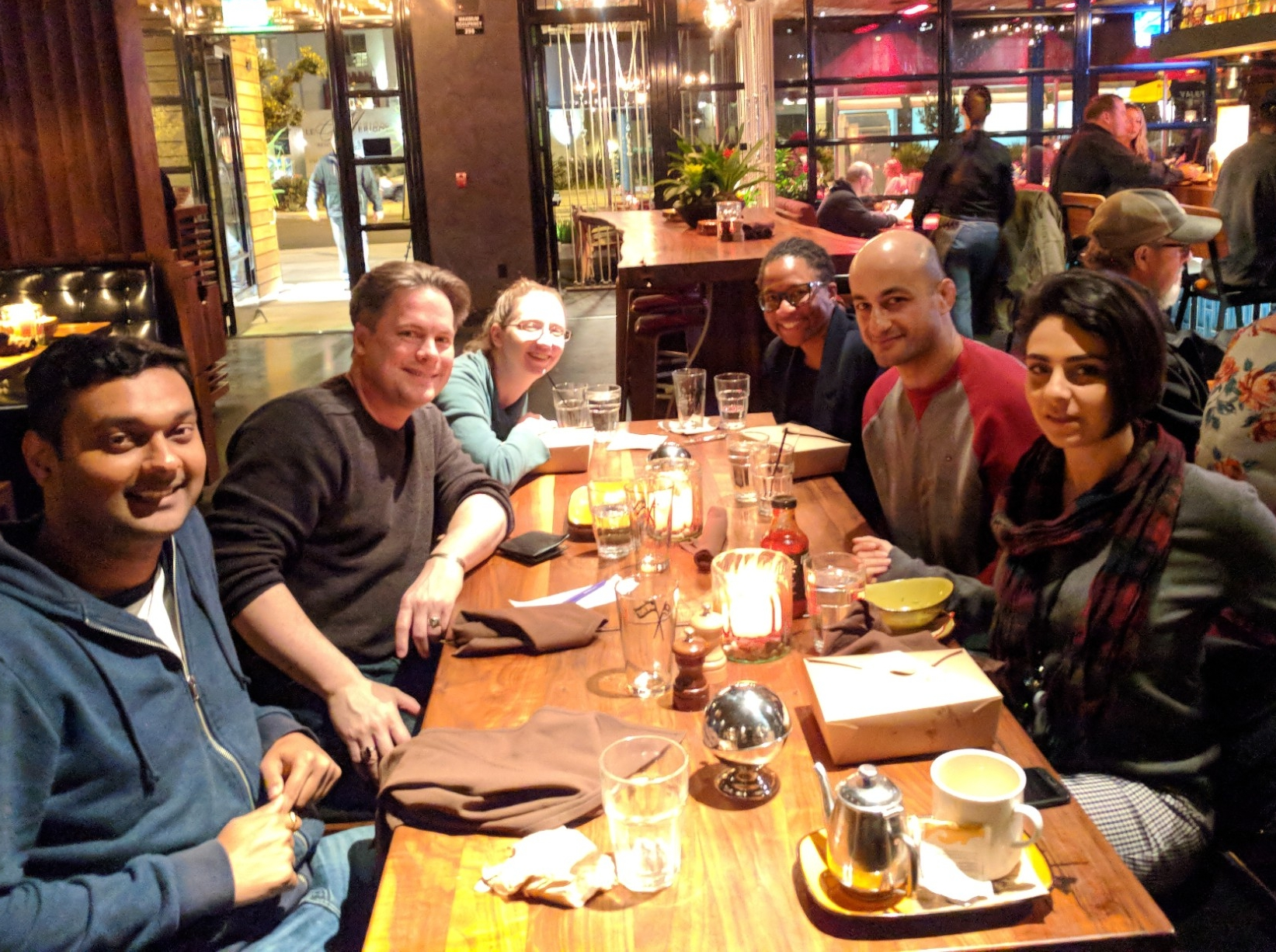 Andrew Parker and students dine at Jimmy's Famous American Tavern