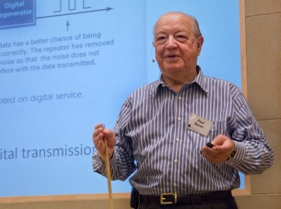 Paul Baran presents his work at a RAND Alumni Association breakfast on July 25, 2009