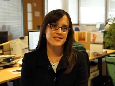 تناقش مولي مورغان جونز (Molly Morgan Jones) ، أحد الباحثين في مؤسسة RAND Europe ، حاجة استراتيجيات الوقاية من فيروس نقص المناعة البشرية المكتسب إلى تكييفها مع الثقافات المحلية من أجل ضمان نجاح مكافحة الفيروس محليًا قبل توقع أحداث أي تأثير على الصعيد العالمي.