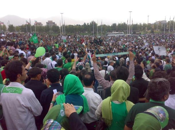 Iranians supporting Mousavi in Azadi Square