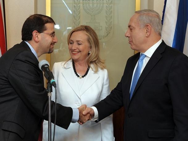 U.S. Ambassador to Israel Dan Shapiro and Secretary of State Hillary Rodham Clinton meet with Israeli Prime Minister Benjamin Netanyahu