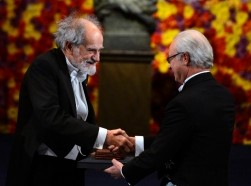 Lloyd Shapley receives his 2012 Nobel Prize for Economics from Sweden's King Carl XVI Gustaf during the Nobel Prize award ceremony at the Stockholm Concert Hall in Stockholm, December 10, 2012
