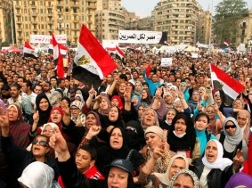 Anti-Mursi protesters chant anti-government slogans in Tahrir Square in Cairo November 27, 2012