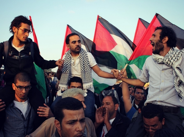 Egyptian convoy at the Rafah border between Gaza and Egypt