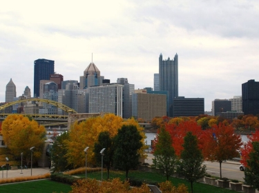 Pittsburgh city in Fall colors
