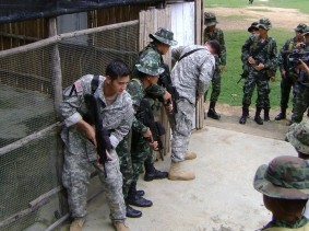 Washington soldiers train with Thai military in counter-insurgency exchange 2010