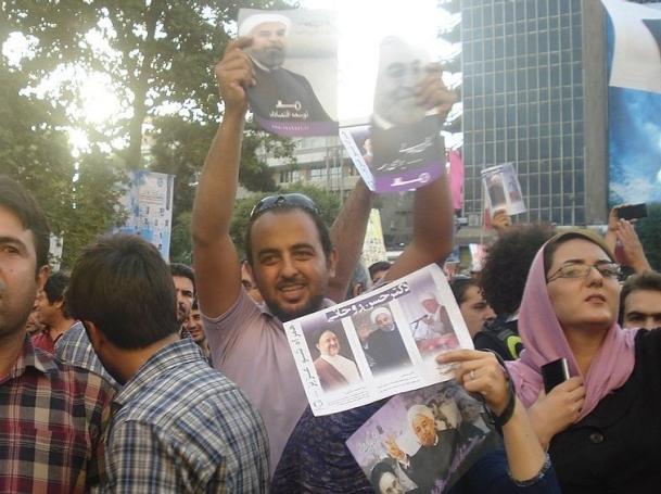 Hassan Rouhani's supporters, Valiasr street