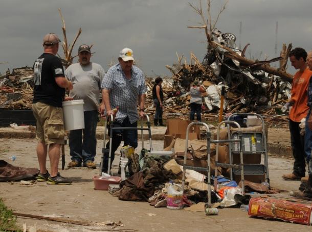 Oklahoma tornado cleanup