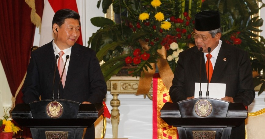 China's President Xi Jinping and Indonesia's President Susilo Bambang Yudhoyono in a joint news conference in Jakarta on October 2