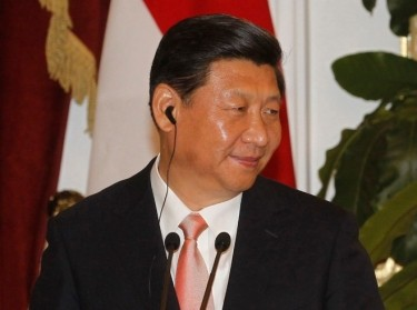 China's President Xi Jinping and Indonesia's President Susilo Bambang Yudhoyono in a joint news conference at the Presidential Palace in Jakarta October 2, 2013