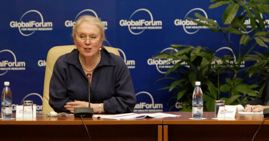Dr. Gill Samuels CBE attending the Investigation Health 2009 event in Havana