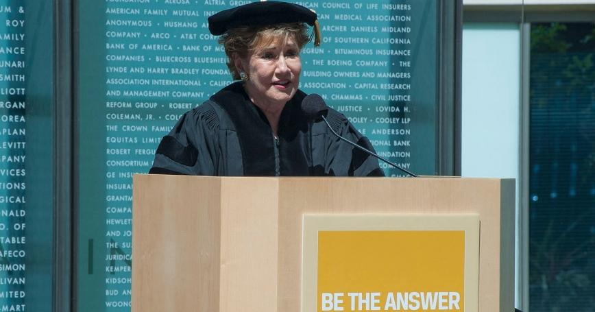 Former U.S. Sen. Elizabeth Dole speaking at the 2014 Pardee RAND Graduate School commencement