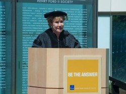 Former U.S. Sen. Elizabeth Dole speaking at the 2014 Pardee RAND Graduate School commencement