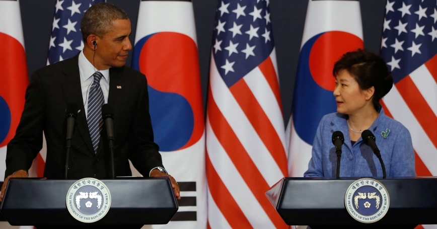 U.S. President Barack Obama and South Korean President Park Geun-hye at a joint news conference in Seoul, April 2014