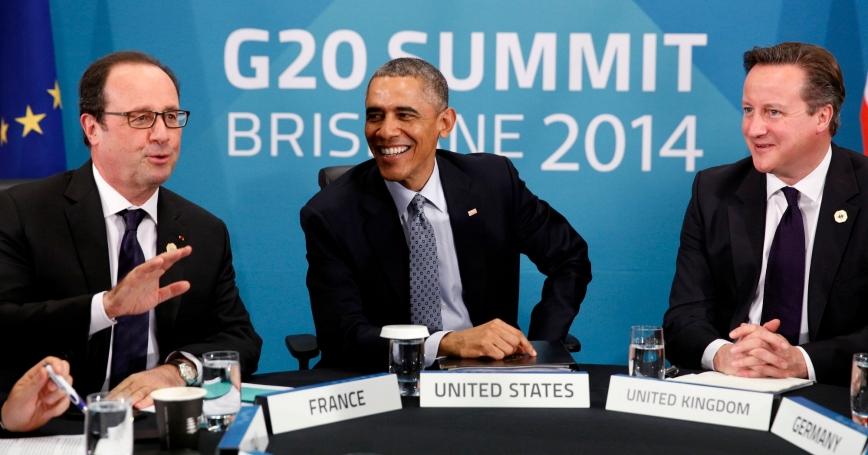 French President Francois Hollande, U.S. President Barack Obama, and British Prime Minister David Cameron discuss the situation in Ukraine at the G20 in Brisbane, November 16, 2014