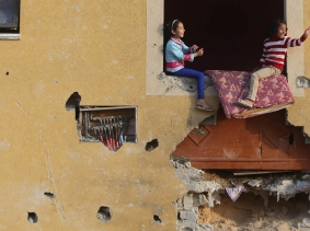 Palestinian girls at their family's house in Khan Younis in the southern Gaza Strip, March 10, 2015