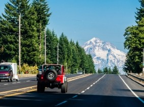 Vehicles driving toward Mt. Hood in Oregon