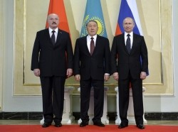 The three main members of the Eurasian Economic Union, Belarus' President Alexander Lukashenko, Kazakhstan's President Nursultan Nazarbayev, and Russia's President Vladimir Putin, meet in Astana March 20, 2015