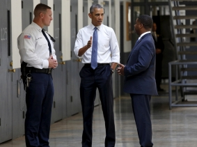 U.S. President Barack Obama tours the El Reno Federal Correctional Institution in El Reno, Oklahoma, July 16, 2015, photo by Kevin Lamarque/Reuters