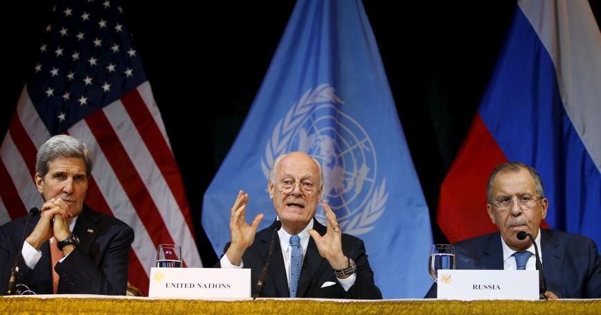 U.S. Secretary of State John Kerry (L), Russian Foreign Minister Sergei Lavrov (R), and UN Envoy for Syria Staffan de Mistura address the media in Vienna, Austria, November 14, 2015