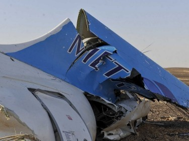 The remains of a Russian airliner that crashed are found near Al-Arish, Egypt, October 31, 2015
