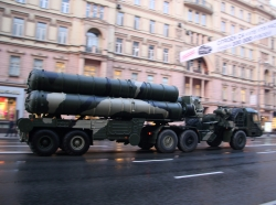 S-400 Triumf SAMs during the rehearsal for 2009 Victory Day parade in Moscow