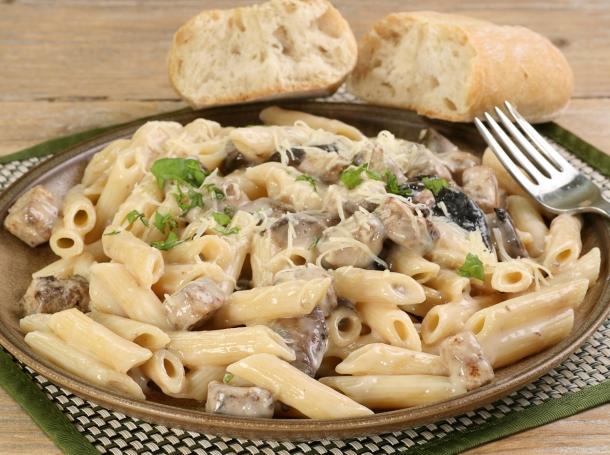 Pasta with chicken, mushrooms, and alfredo sauce
