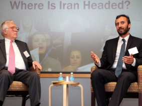 RAND's Alireza Nader (right) discusses the future of Iran with Dan Simpson of the Pittsburgh Post-Gazette at RAND's Pittsburgh office, March 30, 2016, photo by Lauren Skrabala/RAND Corporation