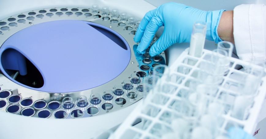 Medical healthcare test using a centrifuge
