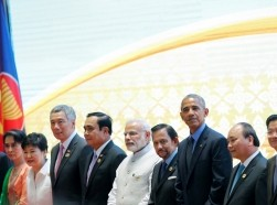U.S. President Barack Obama (center) poses for a photo with numerous Asian leaders before the East Asia Summit in Vientiane, Laos, September 8, 2016