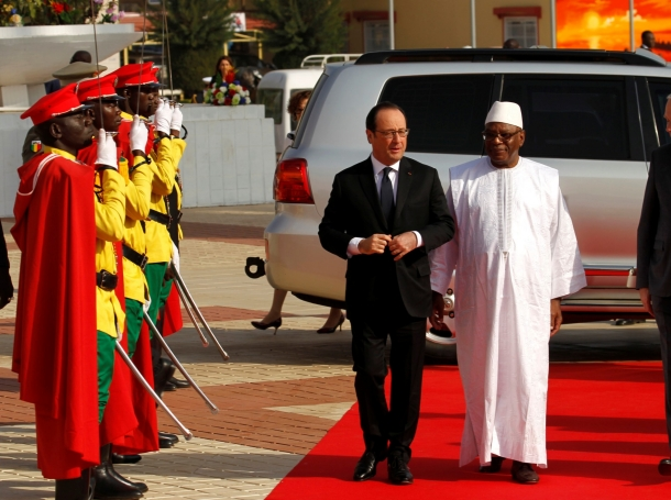 French President Francois Hollande (L) walks with Ibrahim Boubacar Keita, President of Mali at the international conference center of Bamako ahead of the France-Africa summit in Bamako, Mali, January 14, 2017.