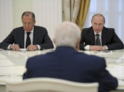 Russian President Vladimir Putin (right) and Foreign Minister Sergei Lavrov (left) meet with Syrian Foreign Minister Walid al-Muallem in Moscow, June 29, 2015