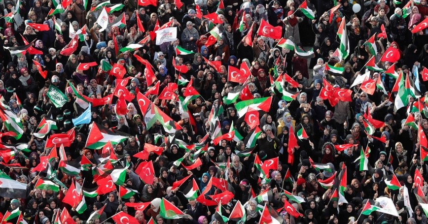 Demonstrators wave Turkish and Palestinian flags during a protest against U.S. President Donald Trump's recognition of Jerusalem as Israel's capital, in Istanbul, Turkey, December 10, 2017
