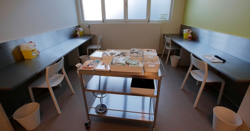 A supervised injection site for people who use drugs, in Lausanne, Switzerland, September 28, 2018, photo by Denis Balibouse/Reuters