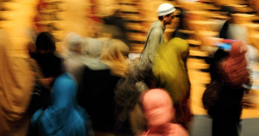 People arrive at Al Hidayah, a youth camp at Warwick University in Coventry, central England, August 9, 2009, photo by Kieran Doherty/Reuters