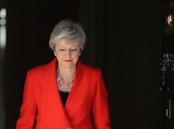 British Prime Minister Theresa May prepares to announce her resignation in London, May 24, 2019, photo by Simon Dawson/Reuters