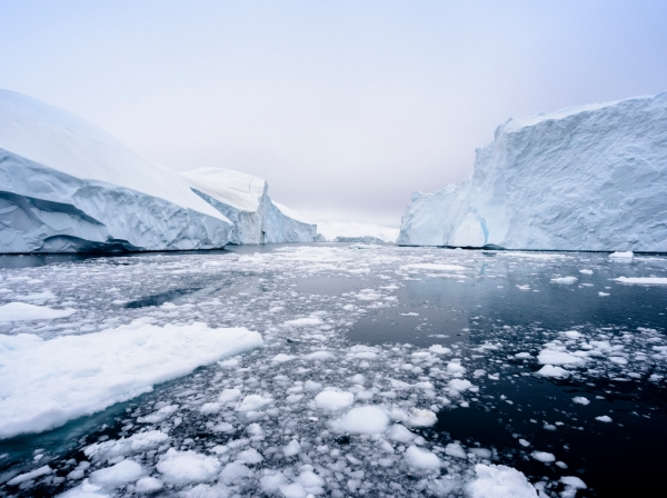 Icebergs and ice in the Arctic Sea, photo by Explora_2005/Getty Images