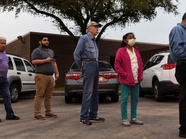 Voters wait in line to cast their ballot in the Democratic primary at a polling station in Houston, Texas, March 3, 2020, photo by Callaghan O'Hare/Reuters
