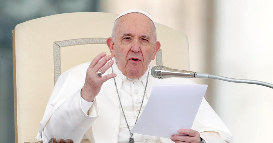 Pope Francis gestures as he speaks during the weekly general audience at Vatican, February 26, 2020, photo by Remo Casilli/Reuters