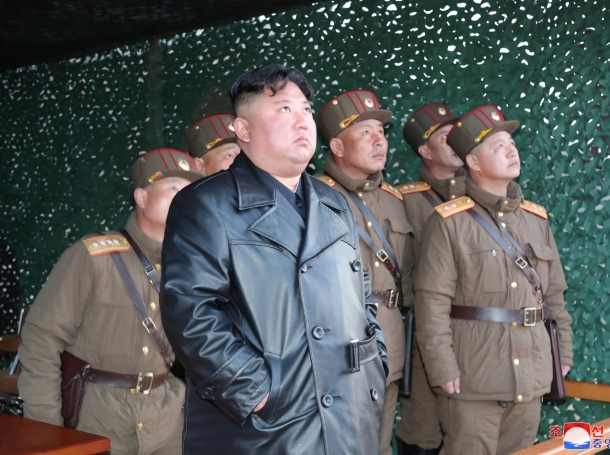 North Korean leader Kim Jong Un observes the firing of suspected missiles in this image released by North Korea's Korean Central News Agency (KCNA) on March 22, 2020, photo by KCNA/Reuters