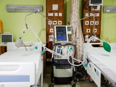 A ventilator that was modified to be used simultaneously by two patients at the Aga Khan university Hospital in Nairobi, Kenya, April 9, 2020, photo by Baz Ratner/Reuters