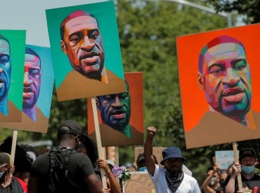 Demonstrators march during a protest against racial inequality in Brooklyn after the killing of George Floyd, June 16, 2020, photo by Brendan McDermid/Reuters