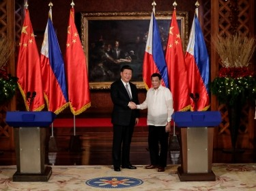 Chinese President Xi Jinping and Philippine President Rodrigo Duterte at the Malacanang presidential palace in Manila, Philippines, November 20, 2018, photo by Mark Cristino/Reuters