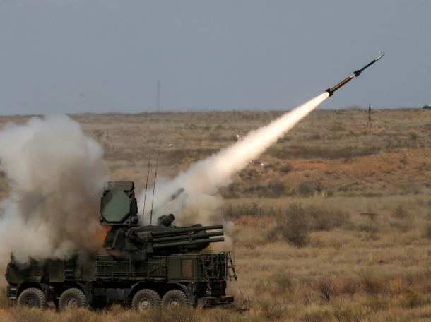 A Pantsir-S surface-to-air missile system fires a missile during the International Army Games 2017 outside Astrakhan, Russia, August 5, 2017, photo by Maxim Shemetov/Reuters