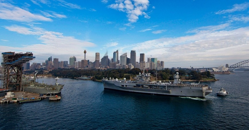 The U.S. 7th Fleet amphibious command ship USS Blue Ridge (LCC 19) approaches the Royal Australian Navy's Fleet Base East on Garden Island in Sydney July 15, 2013, U.S. Navy Photo