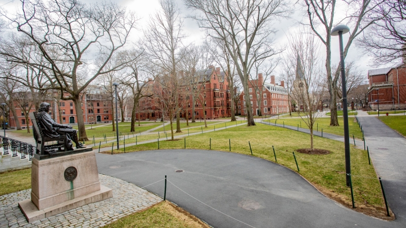 Harvard University campus after it shut down during the COVID-19 pandemic, in Cambridge, Massachusetts, March 25, 2020, photo by Keiko Hiromi/Reuters