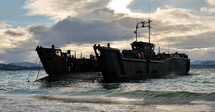 UK Royal Navy 3 Commando Brigade land in Norway as part of demanding winter exercises, photo by PO Phot Si Ethell/Royal Navy Open Government License