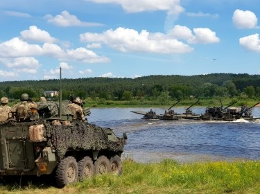 Allied troops cross Neman River during NATO exercise Saber Strike in Kulautuva, Lithuania, June 13, 2018, photo by Andrius Sytas/Reuters