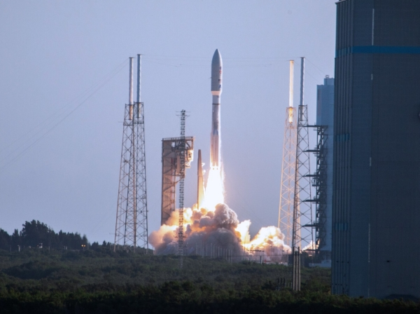 The United Launch Alliance Atlas V 541 rocket launches from Space Launch Complex 41 at Cape Canaveral Air Force Station in Cape Canaveral, Florida, July 30, 2020, photo by Frank Michaux/NASA
